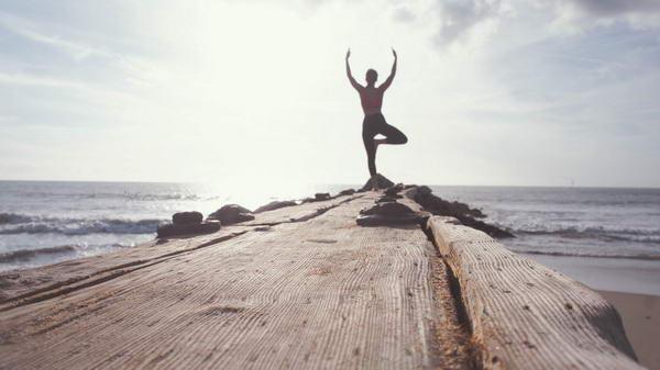 Йога для начинающих: видео первого комплекса Айенгара